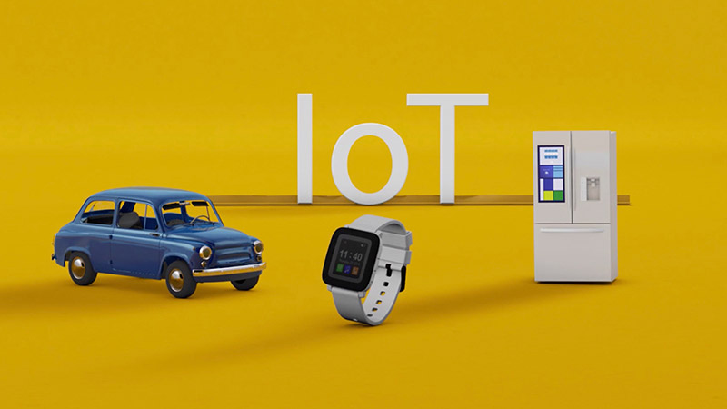 Connected car, smart watch and connected fridge in the Internet of Things