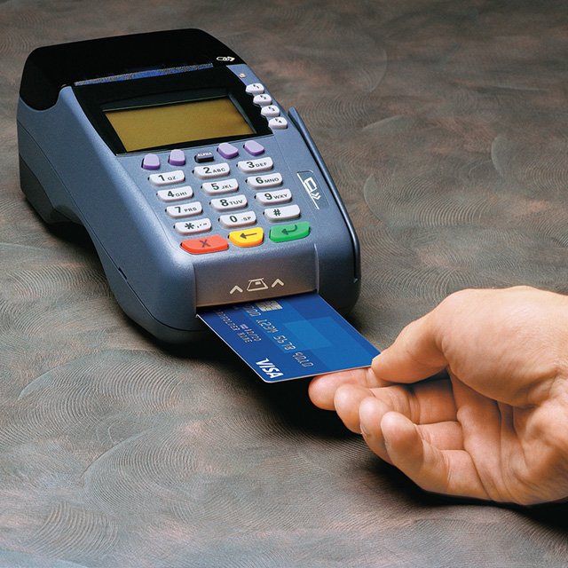 Paying with Visa card chip